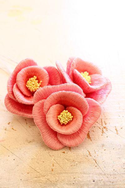 Felt embroidery camellia フェルト刺繍の椿 by PieniSieni
