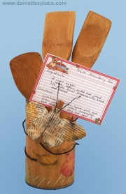 Recycled can and spoons recipe card holder. Awesome mothers day present!