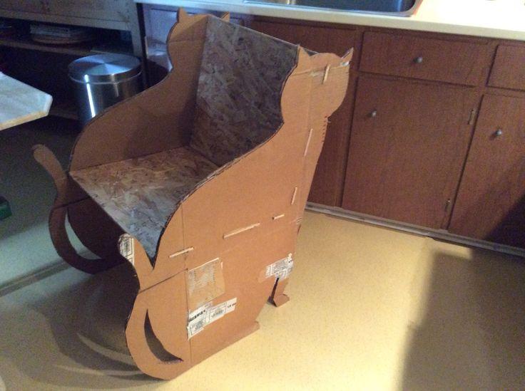 Fauteuil chat en carton - Prototype 0 Construction trop faible.