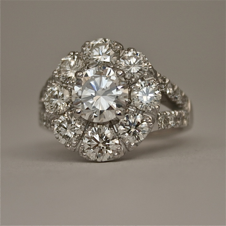 18ct white gold ring with brilliant cut diamonds 'modern classic cluster of brilliants'