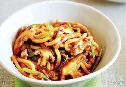 Nouilles au poulet et aux champignons à l'asiatique #recette