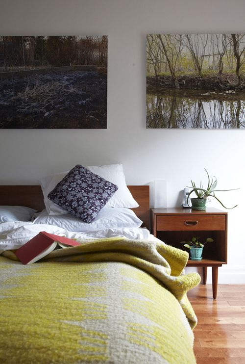 Photographies and color scheme. Fotografies i esquema cromàticWall Art, Bedrooms Design, Mid Century, Design Bedrooms, Canvas, Bedside Tables, Bedrooms Decor, Bedrooms Ideas, Modern Bedrooms