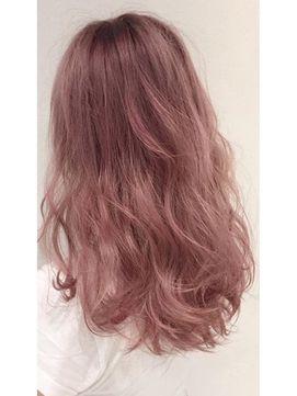 2016年春のヘアカラーはコーラルピンクが一番人気♡いつものブラウンやベージュ、アッシュカラーに飽きてきたら、春っぽいキュートなコーラルピンクに挑戦してみませんか?顔周りをぱっと明るく見せるピンク系の髪色は、新しい恋も呼び寄せてくれそう♡春を待ちきれないあなたにぴったりの髪色をみつけて。