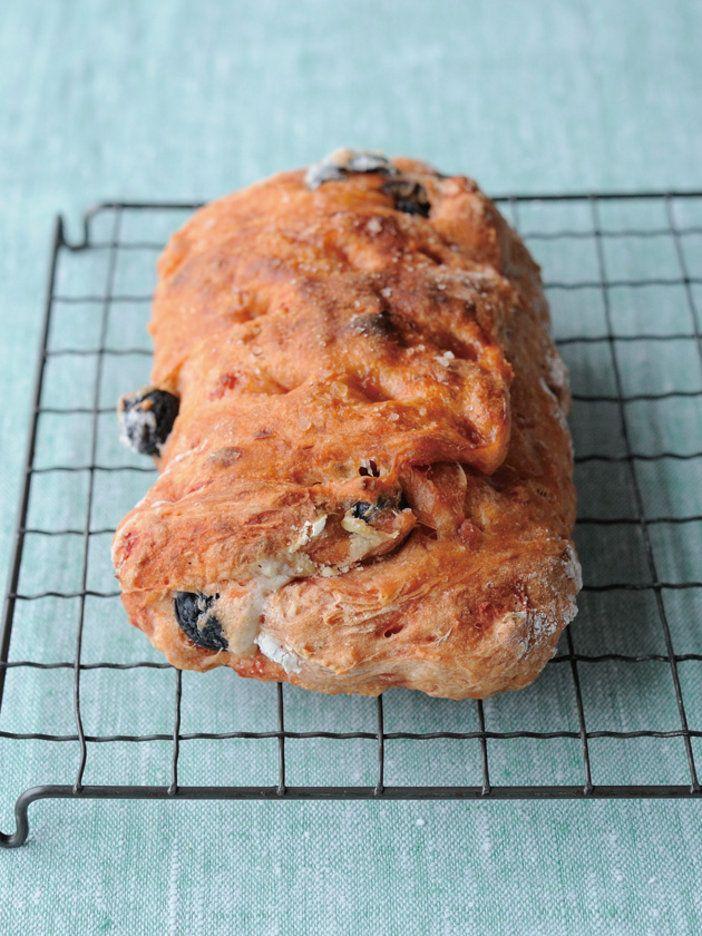 オーブントースターで焼くこねる作業もナシの楽ちんパン|『ELLE a table』はおしゃれで簡単なレシピが満載!