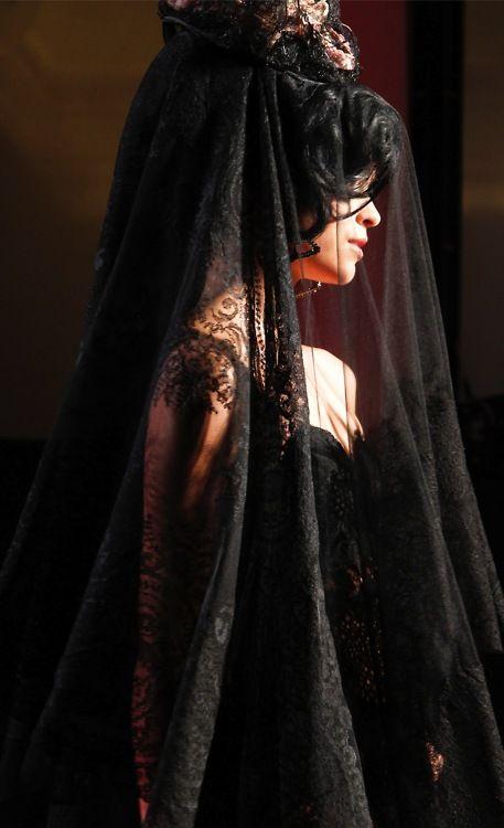 beautiful: Black Lace, Goth Girls, A Mini-Saia Jeans, 2012 Couture, Veils, Jean Paul Gaultier, Jeans Paul Gaultier, Spring 2012, Paul Gaultier Spring