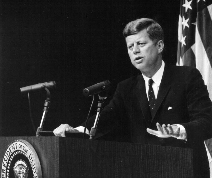 "JOHN F. KENNEDY Quote: ""Ask not what your country can do for you — ask what you can do for your country."""