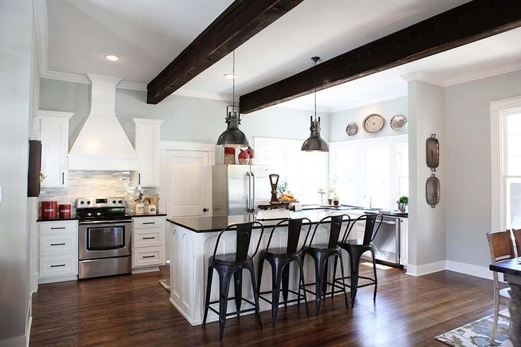 """Getting the Fixer Upper Look for Less--Easy Sources for """"Farmhouse"""" Decor   11 Magnolia Lane"""
