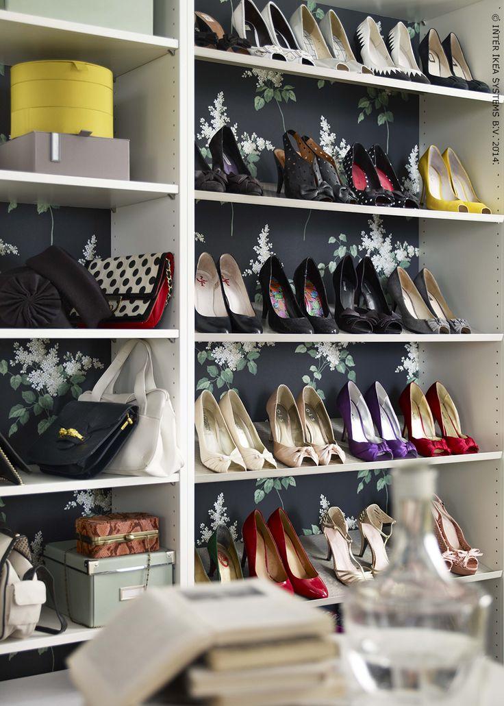 Je hoeft je mooie schoenencollectie heus niet te verstoppen. Etaleer je mooiste exemplaren in een open kast.