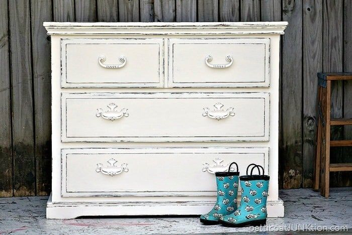 The Best Shabby Chic Dressers & Distressed Painted Furniture