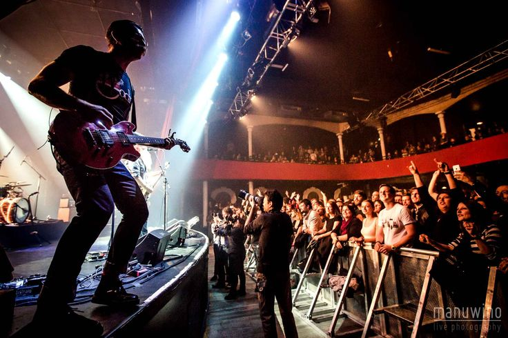 Bataclan:+Le+concert+des+Eagles+Of+Death+Metal just before the attack Paris Nov 13 2015