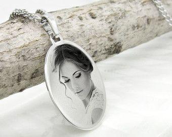 Foto grabado colgante Recuerdo grabado collar Grabado por ChezAya