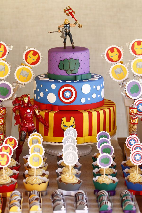 The Avengers:The 3 Tier Cake