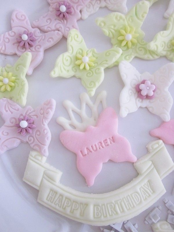 Decorate Cake With Marshmallow Fondant : Check out ???????????????. It s so easy to make! Sweet ...