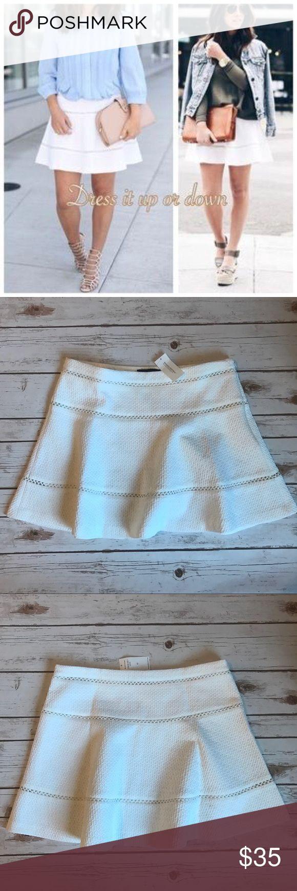 Banana republic lace mini skirt! NEW! Size 10 Banana republic lace mini skirt! NEW! Size 10 Banana Republic Skirts Mini