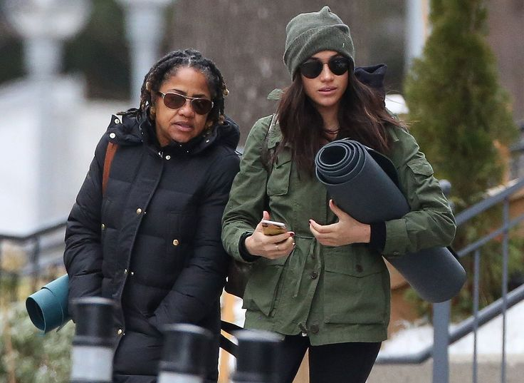 Prince Harry's Girlfriend Meghan Markle Goes to Yoga with Mom