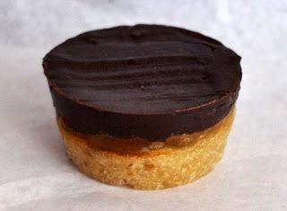 Cucinare che Passione: Pasticcini mandorle, mango e cioccolato