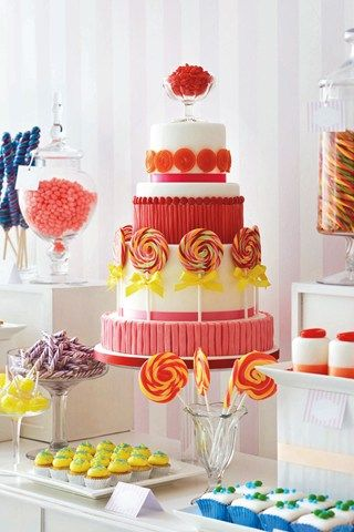 Wedding Cake straight out of Charlie & The Chocolate Factory