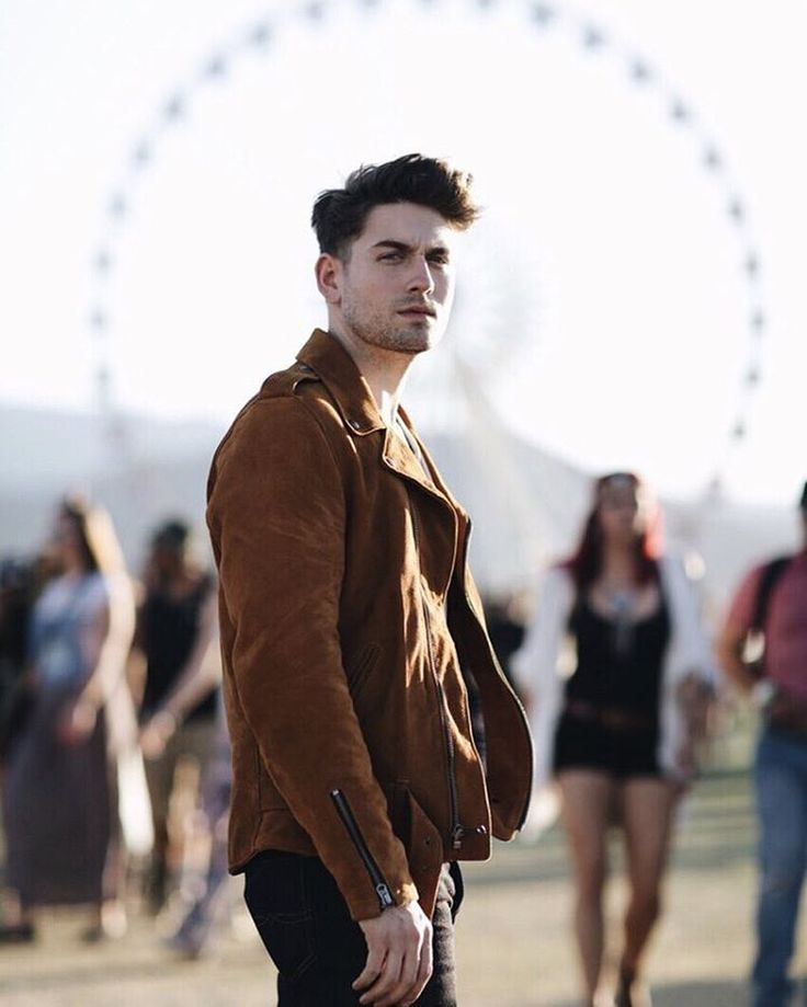 offdutystyle:  This suede moto jacket by @officialluckybrand is an instant classic in my wardrobe. So glad I got to debut it at @coachella ! #luckybrandxmusic #myluckybrand  (at Palm Springs, California)