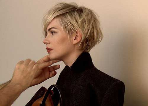 Michelle Williams Layered Pixie Hairdo