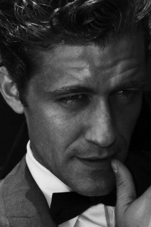Matthew Morrison - fascinating combination of Gene Kelly and Justin Timberlake ... and really long eye-lashes