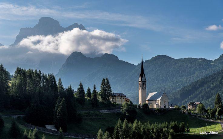 Selva di Cadore e Pelmo sullo sfondo - Dolomiti Bellunesi