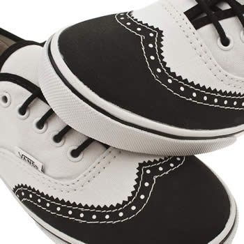 A Matter Of Style: DIY Fashion: shoes diy  painted brogue tennis shoes