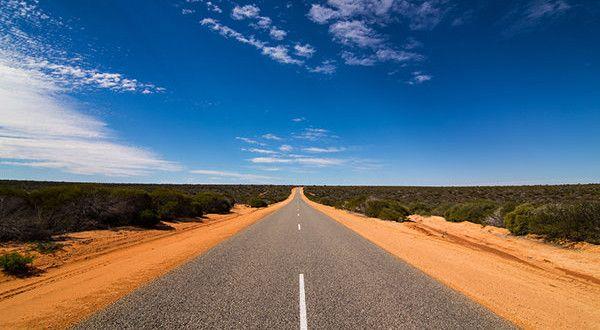 Tout savoir sur les démarches nécessaires a l'obtention d'un permis de conduire international pour conduire sur les magnifiques routes Australiennes.