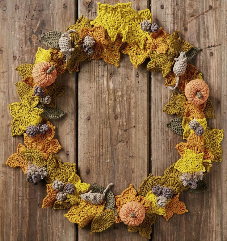 Kate Eastwood autumn wreath Simply Crochet issue 49