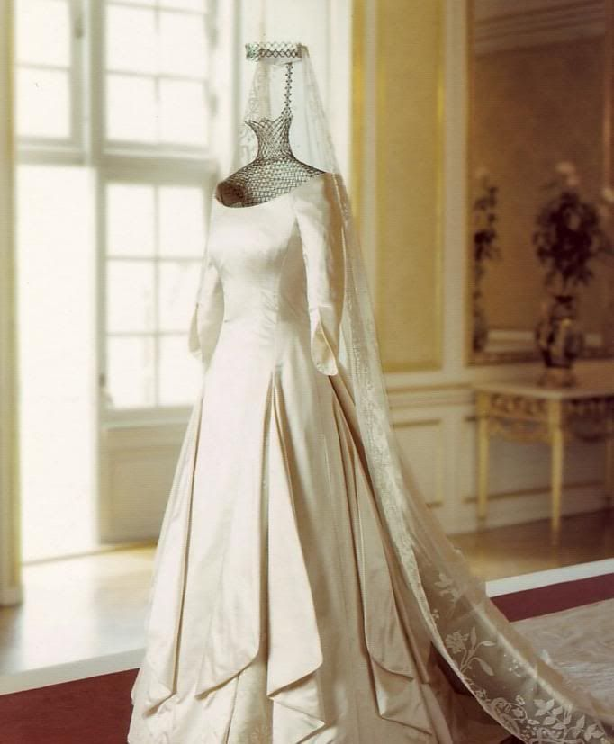 Outstanding Princess Mary Wedding Dress Model - Wedding Ideas ...