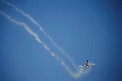 ВВС Израиля обстреляли сирийских минометчиков на Голанских высотах       Израильские ВВС обстреляли позиции сирийской армии в Самдании на Голанских высотах. Удар пришелся на минометный расчет правительственных сил Сирии, среди военнослужащих никто не пострадал. Это уже третья атака ВВС Израиля за последние пять дней. Ранее авиаударам подверглись позиции сирийских войск в районе Аль-Баас.