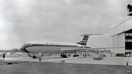 VC10 passenger liner. I love the VC10, a magnificent aircraft.