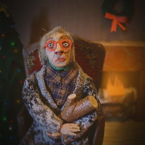 """Кукла работы #Кейтлин_Маккормак Дороти Паркер """"Итог"""" """"Бритвой больно, В речку - сыро, Пeтлю страшно затянуть. Уксус жгучий, Газ вонючий. Поживем еще чуть-чуть"""""""