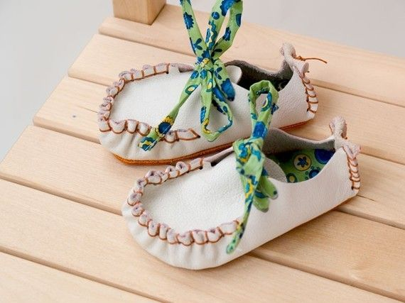 Children Leather Retro Shoes sizes 19 to 27 PDF. by TutorialGirl