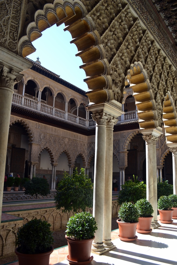 We visited the Alcazar, which is where the Spanish Royalty stays when they visit Seville. Seen this!
