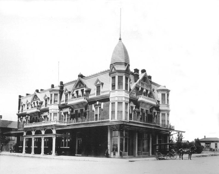 Hotel Pleasanton Fresno California