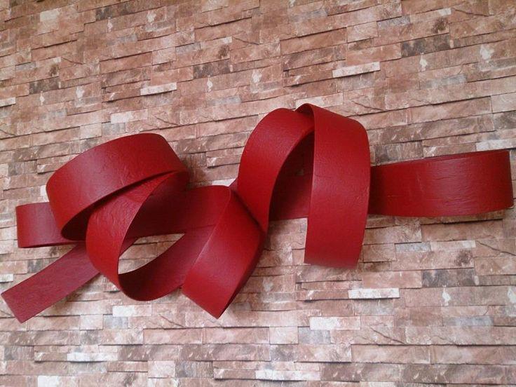 escultura de parede, escultura vermelha, escultura fita, wall sculpture, red sculpture.