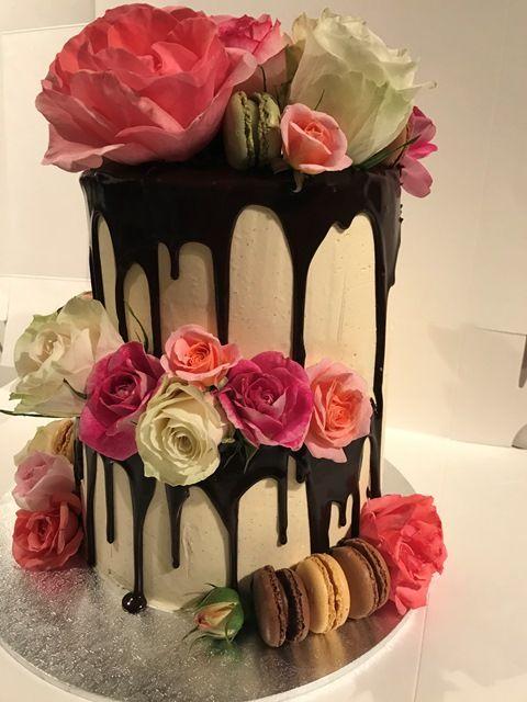 Fresh rose & macaron 2-tier cake