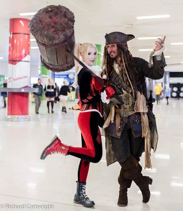 #harleyquinn #harleyquinnlookalike #harleylookalike #classicharleyquinn #sideshowharleyquinn #unmaskedharleyquinn #truentertainments #cosplay #cosplaygirls #comicon #mcmcomicon #mcmbirmingham #mcmcomiconbirmingham #batman #dccomics #harleyquinnlove #propbuilds #harleyshammer #batmanuniverse #internationalcosplay #harley #quinn #lookalike #geekgirls #ilovecosplay #piratesofthecartibean #captainjacksparrow #jacksparrow #jacksparrowlookalike #truentertainments #captainjackforhire…