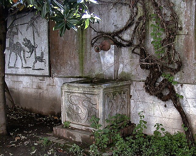 http://www.thais.it/citta_italiane/roma/fontane/vie/via_margutta/hi_res/0001.htm