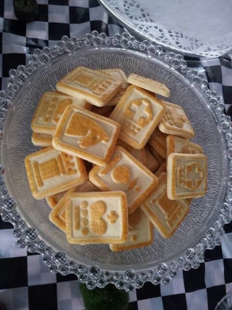 Use these chess cookies(I believe they are made by Pepperidge Farm) for a chess themes party, a royalty themed party or perhaps an Alice in Wonderland themed party.