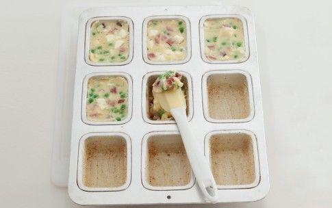 Preparazione Gattò di patate con mozzarella e prosciutto - Fase 2