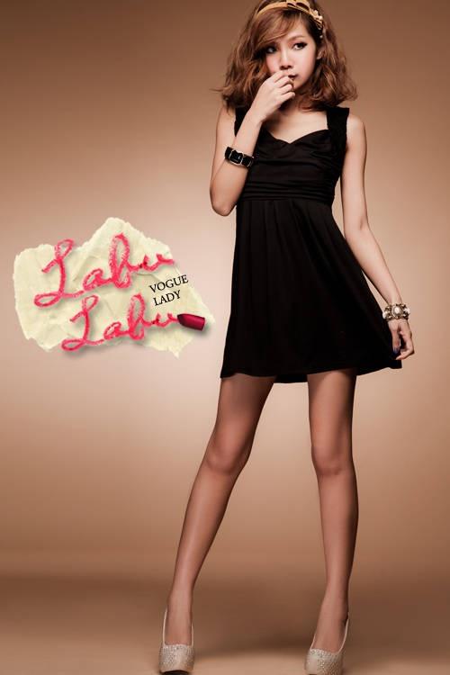 Bubble Gum Pose: Gum Pose, Black Lycra, Mini Dresses, Poses Female, Little Black Dresses, Bubble Gum, Crossover Dress
