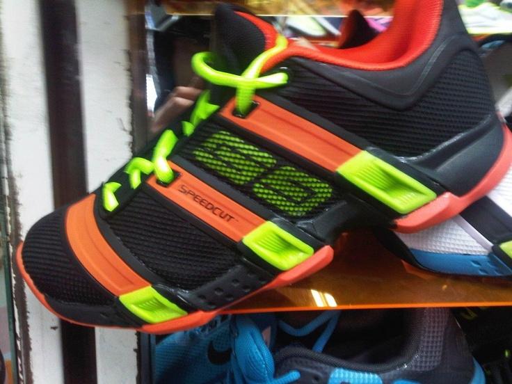 O estos?