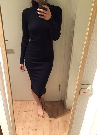 Kaufe meinen Artikel bei #Kleiderkreisel http://www.kleiderkreisel.de/damenmode/lange-kleider/137823221-gina-tricot-dunkelblaues-midi-strick-kleid-neu