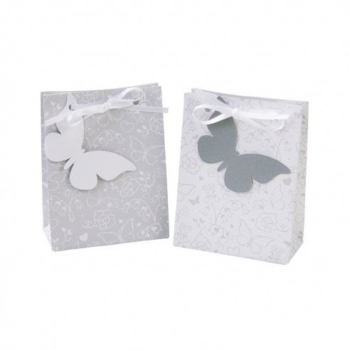 10 mooie zakjes met de bedrukking van vlindertjes in 2 verschillende designs. Op het bijgeleverde vlindertje schrijf je de naam van de gelukkige ontvanger. Gebruik zo'n zakje als bedankje voor je gasten. Als je ze op de tafel zet kan je ze ook gebruiken als naamkaartje, 2 vliegen in 1 klap!