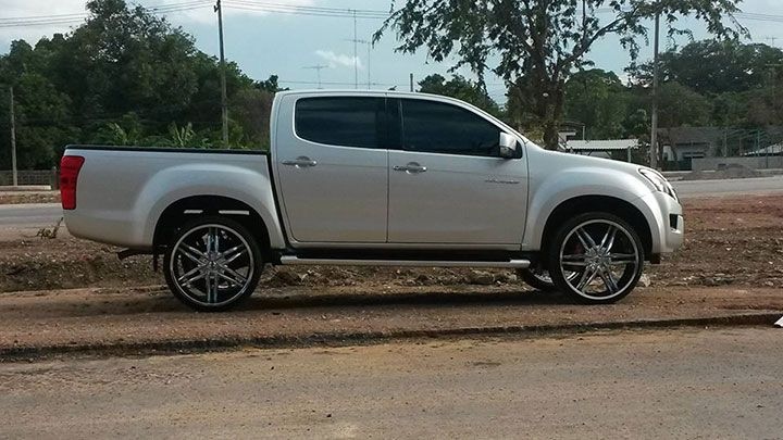 all-new-isuzu-dmax-big-wheel