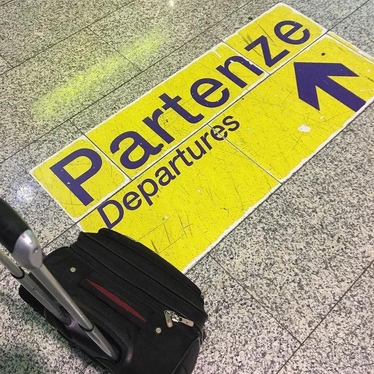 Typical pic before departure #tixilife #tixi #dj #djlife #airport #djing #cagliari #sardinia #milano #departure #monday #mondaymotivation #mondaymorning #trip #digitalnomads #reload #happy #goodmorning