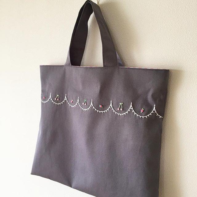 フリーステッチでさくらんぼ&小花#刺繍 #刺しゅう #レッスンバッグ #embroidery