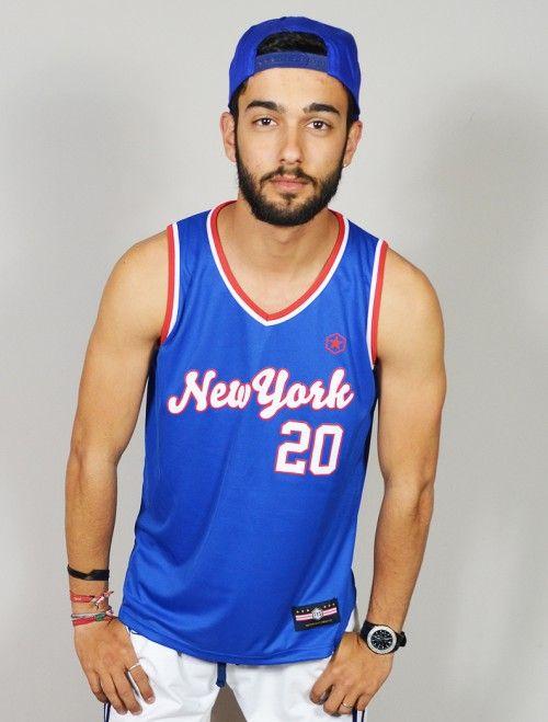 CAMISETA DE BASKET VINTAGE NEW YORK 20 NBA. Comprar online camisetas de hombre de baloncesto y futbol americano en nuestra tienda de ropa joven y streetwear Latiendajoven.com
