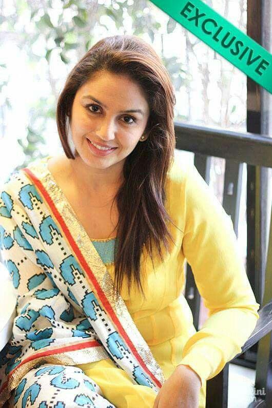 So Beautiful Smile Huma Qureshi <3
